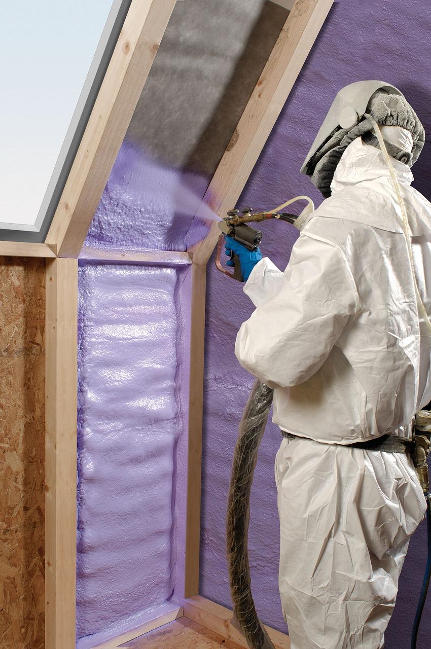 A Paviser som professionals altament qualificats en temes d'aïllaments i impermeabilitzacions, preparats per executar amb seriositat tota mena d'obres: aïlaments, impermeabilitzacions, revestiment de façanes, instal·lacions de tubs de PVC, renovacions de baixants de patis de llums amb tubs de PVC, etc.